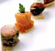 Canapes-and-champagne