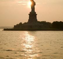 Statue-of-liberty-night
