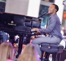 John-legend-singing-hm-may15